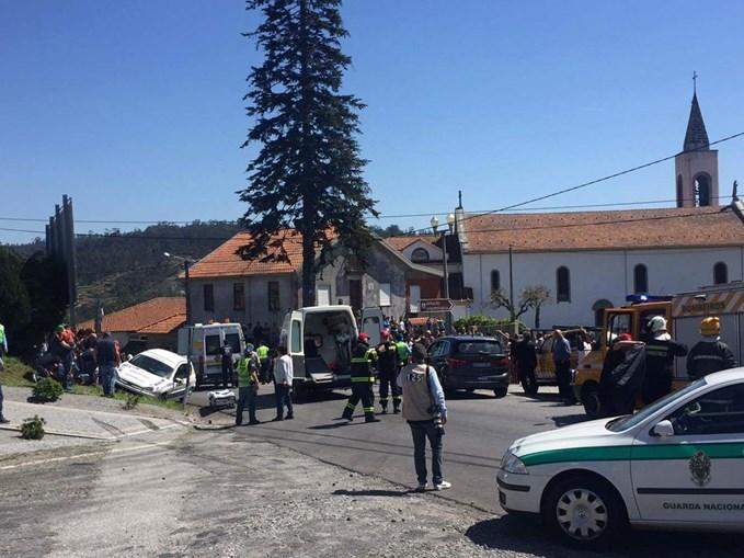 Feridos foram transportados para os hospitais de Braga e de Famalicão