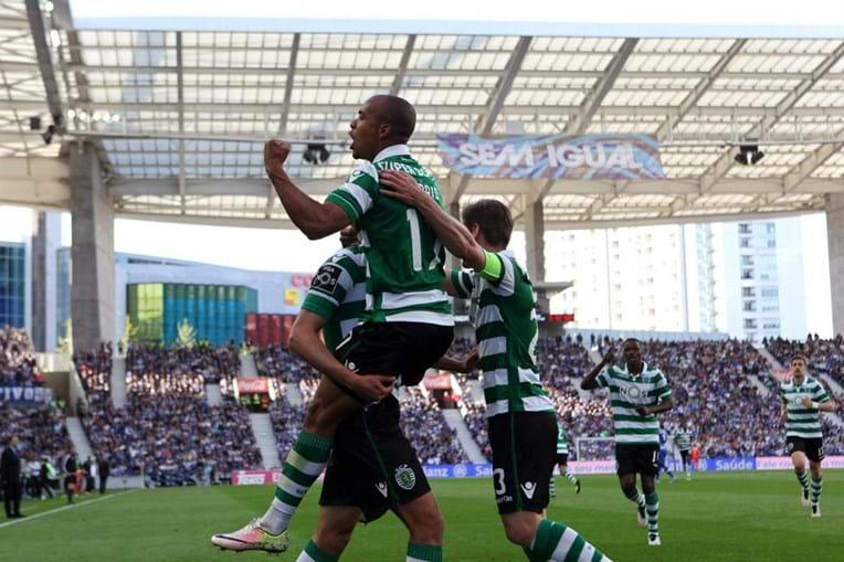 Jogadores do Sporting festejam um dos golos marcados ao FC Porto
