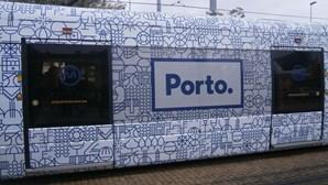 """Utentes criticam metros """"à pinha"""" e autocarros """"lotados"""" no Porto"""