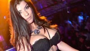 Sofia Sousa ousada em festa
