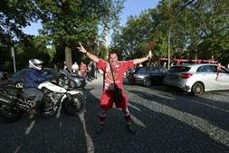 Adeptos do Benfica fazem a festa do 35º campeonato nacional no Porto