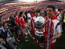 Na primeira época de águia ao peito, Rui Vitória levou o clube a vencer a Liga pela terceira temporada consecutiva