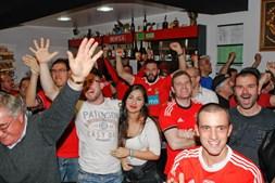Adeptos do Benfica fazem a festa do 35º campeonato nacional em Anadia