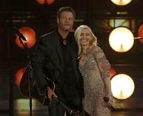 Blake Shelton e Gwen Stefani interpretaram 'Go Ahead And Break My Heart'