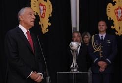 """'Como Presidente da República peço-vos: não se esqueçam de Portugal. Quando estiverem a jogar em Inglaterra ou em Espanha, não se esqueçam que foram e vão ser campeões por Portugal"""", acrescentou Marcelo Rebelo de Sousa"""