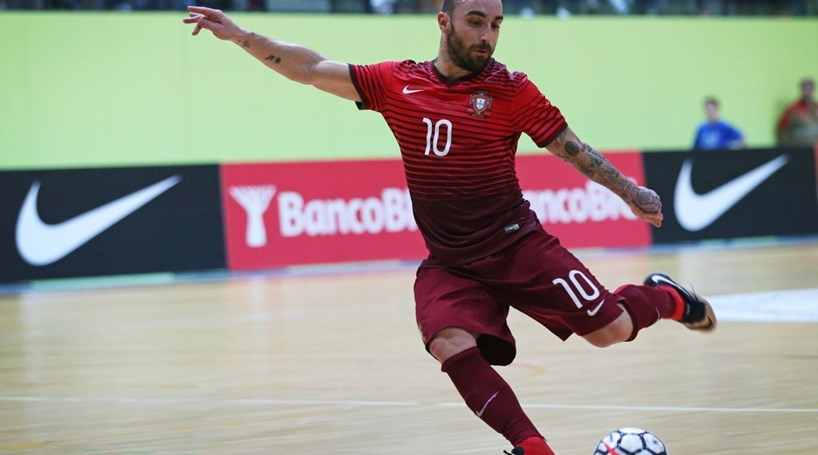 38a112ae6a Ricardinho eleito o melhor jogador de futsal do Mundo - Cm ao Minuto ...