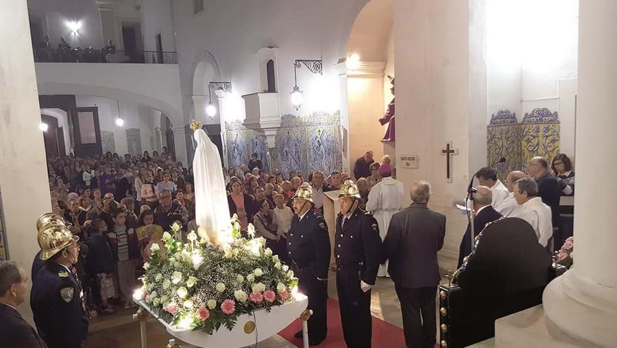 A Imagem Peregrina foi venerada na igreja matriz de Ourém, tendo partido para Caxarias na manhã de quarta-feira