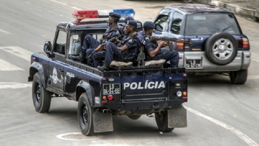 A Polícia Nacional angolana ajuda em sequestro
