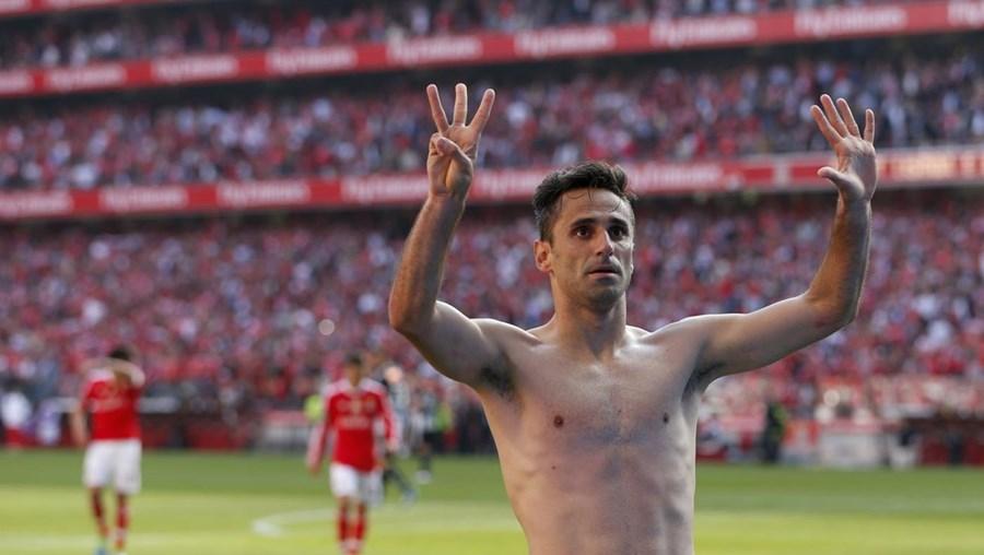 Jonas celebra o golo marcado no encontro deste domingo