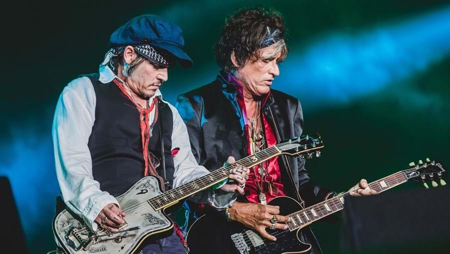 Johnny Depp e Joe Perry, dos Hollywood Vampires, atuam amanhã