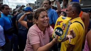 Venezuelanos protestaram contra falta de alimentos