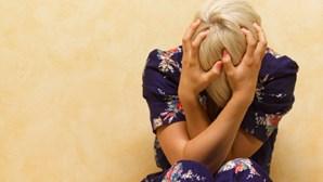 Crise económica relacionada com aumento de suicídios