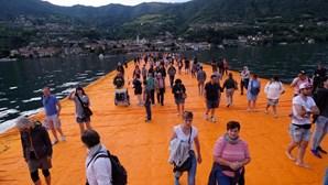 É possível andar sobre a água em Itália