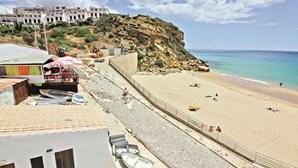 Obras junto à praia estão a provocar preocupação