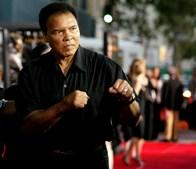 Muhammad Ali chega ao Orpheum Theatre para a antestreia do filme 'Colateral'