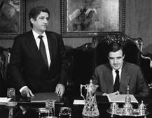 Fernando Teixeira (à esq), governador do Banco de Angola assina acordo com Carlos Tavares, governador do Banco de Portugal em 1991