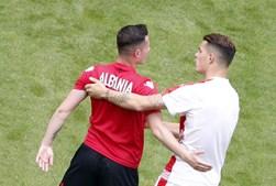 Os irmãos Xhaka, Taulant pela Albânia e Granit pela Suíça, foram este sábado titulares no jogo entre as duas seleções
