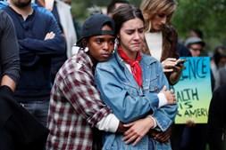 O ataque aconteceu este domingo na discoteca gay Pulse, nos Estados Unidos. Morreram 49 pessoas