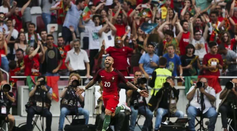 Goleada nacional com brilho de Quaresma - Futebol - Correio da Manhã 3083c32d4ba8b