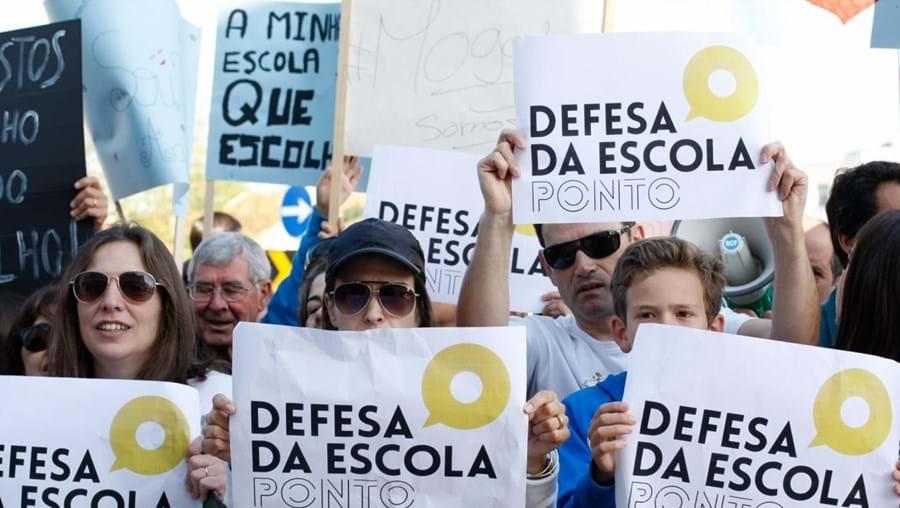 Manifestação 'Defesa da Escola Ponto'