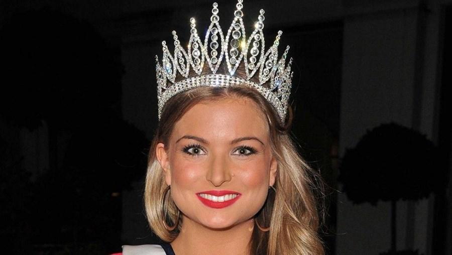 Zara Holland quando conquistou o título de Miss Grã-Bretanha