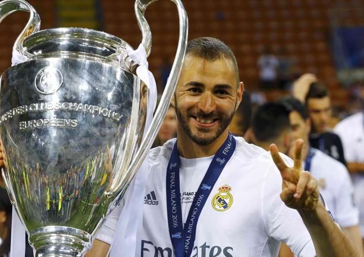 As acusações de Karim Benzema de que o selecionador de futebol de França cedeu 'à pressão de um partido político racista' para não o convocar para o Euro2016 criaram uma onda de indignação na esfera desportiva e politica gaulesa