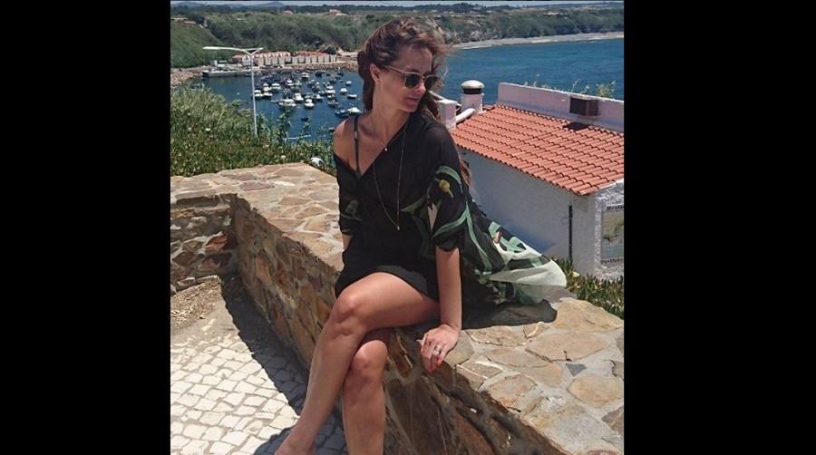A apresentadora Cristina Ferreira partilhou fotografias das férias em Vila Nova de Mil Fontes nas redes sociais