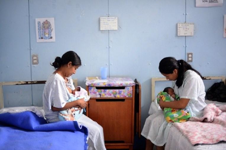 Estudos sobre amamentação foram realizados na África do Sul e no Paquistão