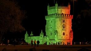 Torre de Belém iluminada com as cores da bandeira