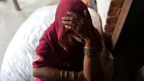 Mulher indiana morre após ser violada com uma barra de ferro