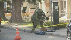 Veja a remoção da granada abandonada