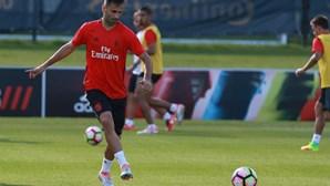 Benfica goleia com dois golos de Jonas