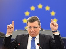 Durão Barroso está a ser alvo de críticas a nível nacional e internacional por integrar banco de investimento