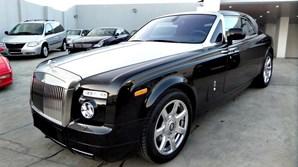 Veículo luxuoso data de 2011
