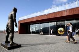 Museu foi renovado e a estátua em bronze de Cristiano Ronaldo foi mudada de sítio