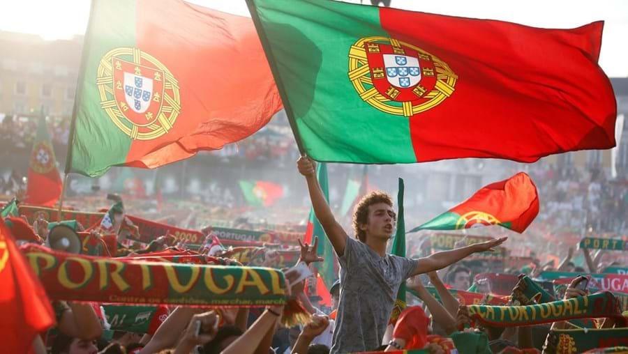 Adeptos celebram a vitória portuguesa