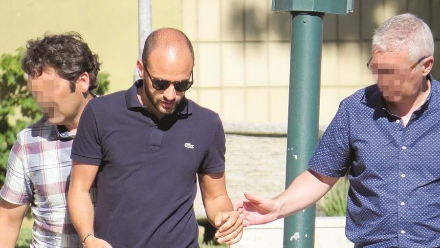 Olivier da Silva, sexta-feira de manhã, à entrada do Tribunal de Portimão, de onde saiu em liberdade
