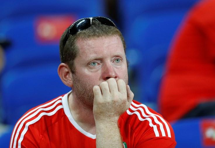 Os adeptos galeses não conseguiram esconder a desilusão com o resultado