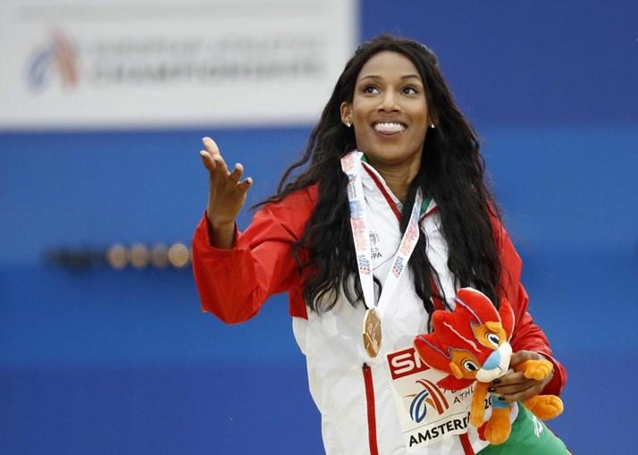 Patrícia Mamona na cerimónia de entrega das medalhas