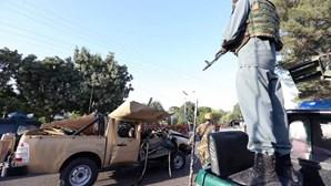 Talibãs atacam turistas no Afeganistão