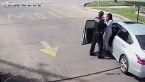 Mulher detida enquanto liga para o 112