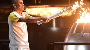 Vanderlei Cordeiro de Lima acendeu a Chama Olímpica