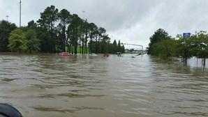 Inundações no Louisiana fazem três mortos e mil desalojados