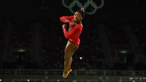 Simone Biles conquista a terceira medalha
