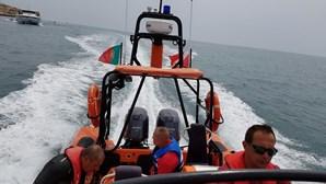 Sete pescadores resgatados de embarcação que se afundou já desembarcaram no Funchal
