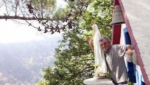 Madeirense deixa Venezuela para construir capela-miradouro