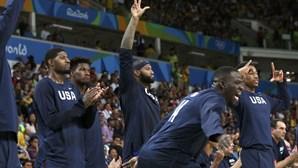 Estados Unidos tricampeões de basquetebol masculino