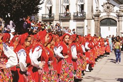 Desfile da mordomia dá hoje o pontapé de saída para a Romaria da Senhora d'Agonia, em Viana do Castelo