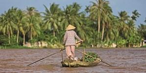 O rio Mekong é o principal meio de  ligação entre a Tailândia, o Laos e a Birmânia, permitindo aos locais deslocar-se entre os três países