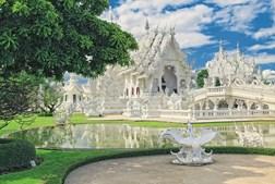 O Wat Rong Khun, mais conhecido como Templo Branco, é uma das principais atrações da região